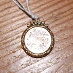 Vintage Victorian 9ct Gold Engraved Locket
