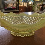 DAVIDSON YELLOW VASELINE GLASS BOWL