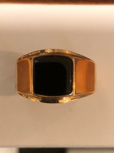18ct Gold & Onyx Gents Ring